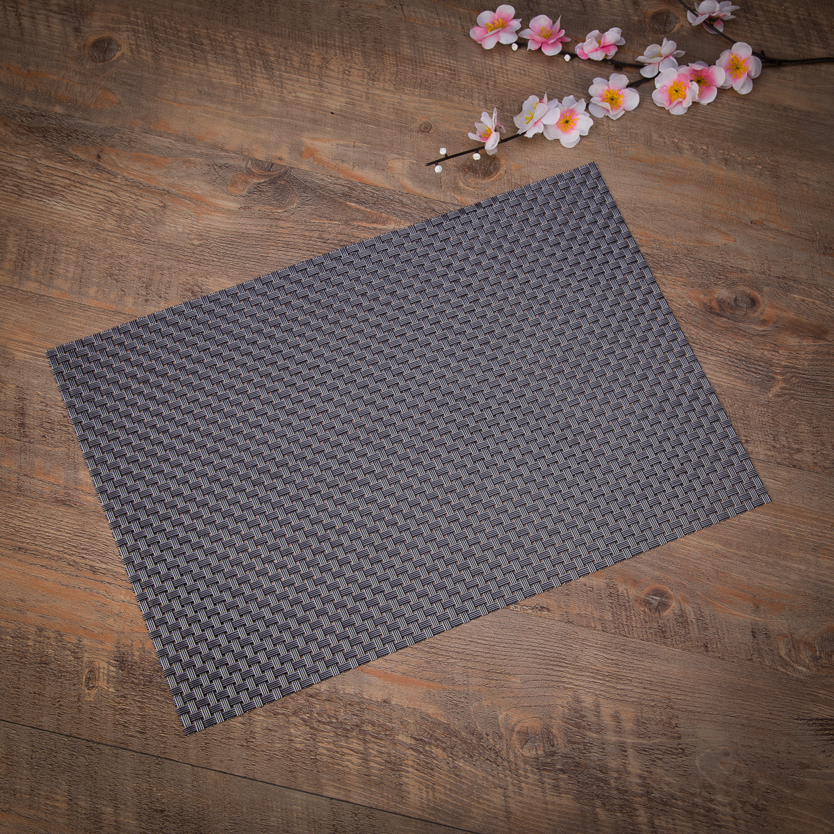 Heat Insulation Stain Resistant Woven Vinyl Placemats 18