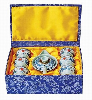Exquisite porcelain tea set 7 pcs w. unique silk gift box