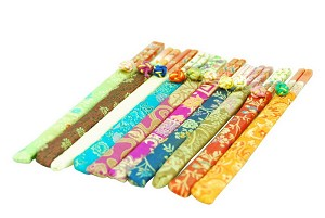 20 (10 pairs) Elegant Bamboo Chopsticks With Brocade Pouch